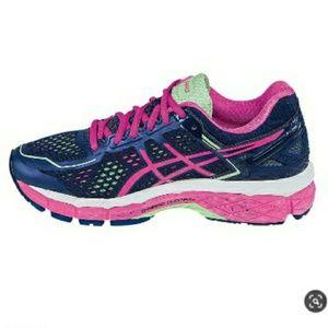 NWT Asics Gel Kayano 22 Womens Running Shoe